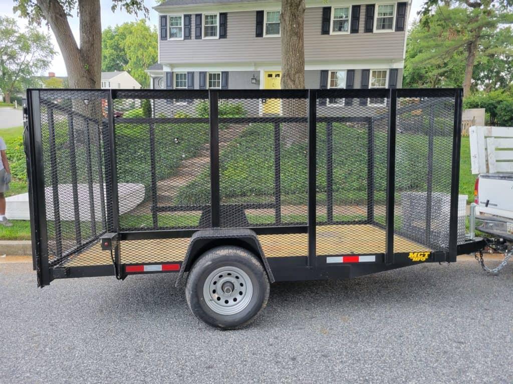 Empty junk trailer
